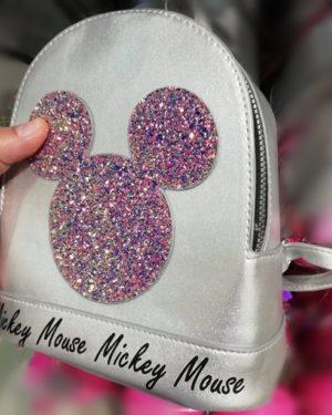 Disney Mickie Mouse gyermek hátizsák. Miki Egér gyerek hátizsák. Ezüst színű csillogós Miki Egeres hátizsák gyerekeknek.